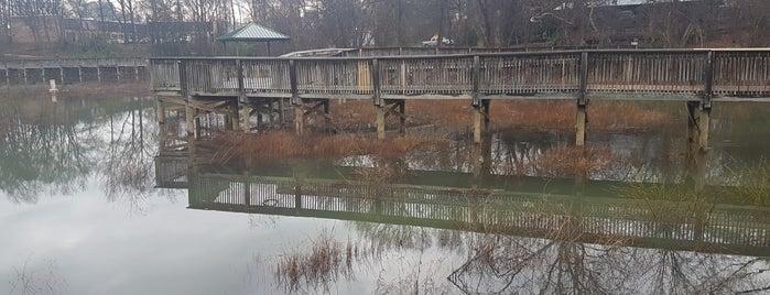 Larry W. Abernathy Water Front Park is one of Tempat yang Disimpan Joshua.