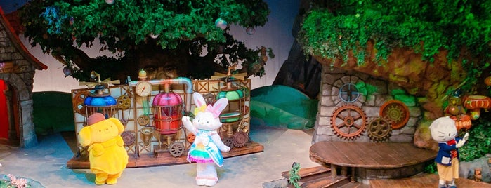 Fairyland Theater is one of Lieux qui ont plu à Shank.