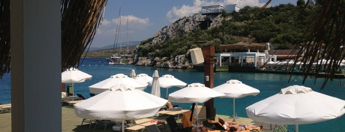 The Beach Club is one of Bodrum Denince Akla Gelenler.