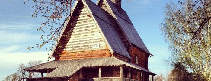 Никольская Церковь is one of สถานที่ที่ Nina ถูกใจ.