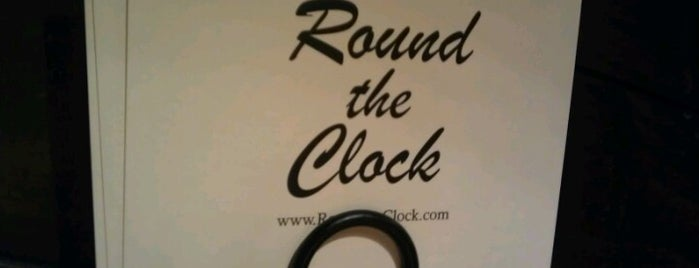 Round The Clock Restaurant is one of Lieux qui ont plu à Aaron.