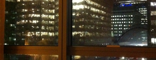 Marriott W India Quay Executive Lounge is one of Lugares favoritos de Mike.