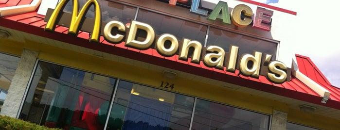 McDonald's is one of Posti che sono piaciuti a Christy.