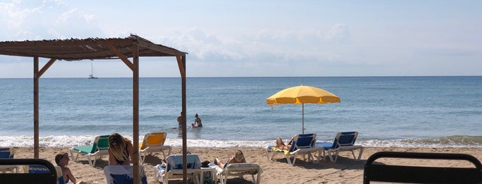 Castelldefels beach is one of Lugares favoritos de Jonathan.