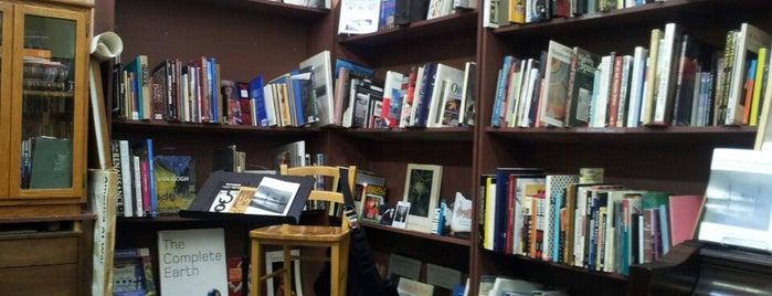 St. Johns Bookseller is one of Locais curtidos por Kip.