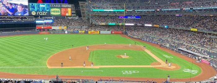 Yankee Stadium is one of สถานที่ที่ Kirill ถูกใจ.