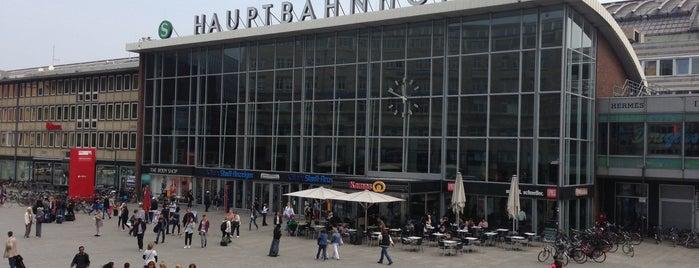 Köln Hauptbahnhof is one of Orte, die Kevin gefallen.