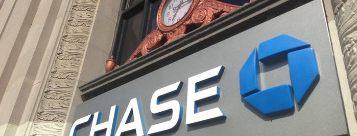 Chase Bank is one of YGQさんのお気に入りスポット.
