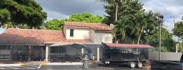 Troy's Bar-Be-Que is one of Boca Lunch.