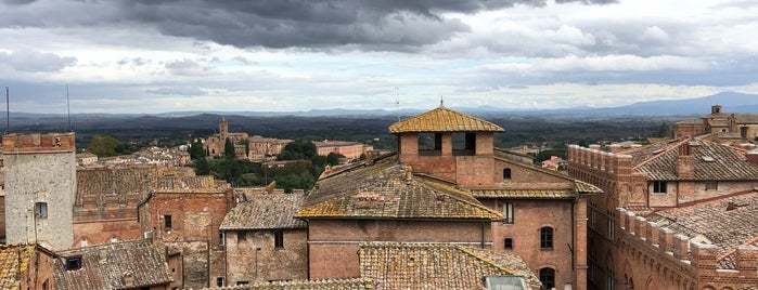 Panorama dal Facciatone is one of Locais curtidos por Richard.