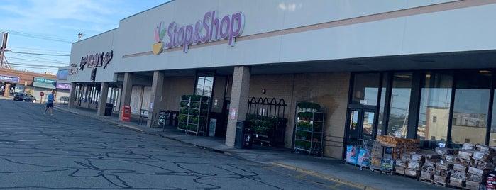 Stop & Shop is one of Tempat yang Disukai Brittany.