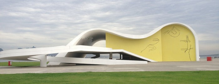 Caminho Niemeyer is one of Oscar Niemeyer [1907-2012].
