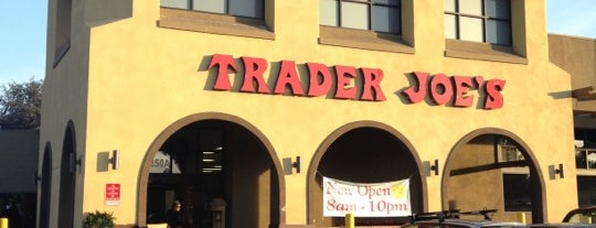 Trader Joe's is one of Tempat yang Disukai Chris.