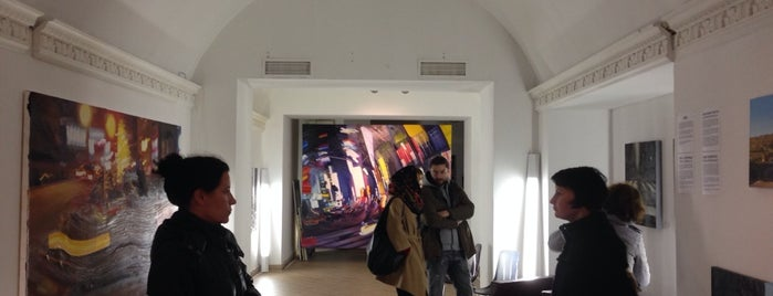 Lazarev Gallery is one of СПб..