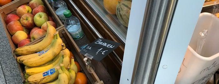 Fruitbar is one of Tempat yang Disukai Amit.