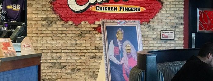 Raising Cane's Chicken Fingers is one of Locais curtidos por Kris.
