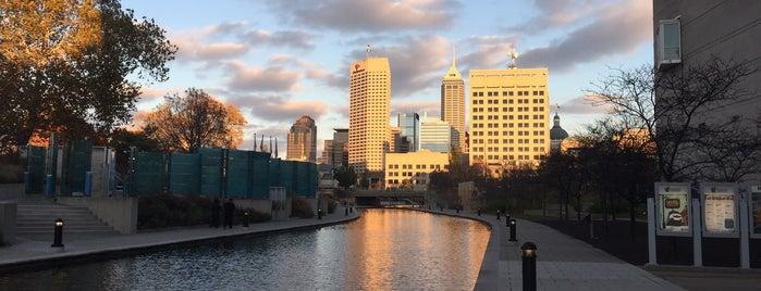City of Indianapolis is one of สถานที่ที่ Heidi ถูกใจ.
