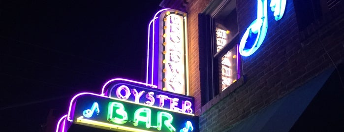 Broadway Oyster Bar is one of St. Louis.