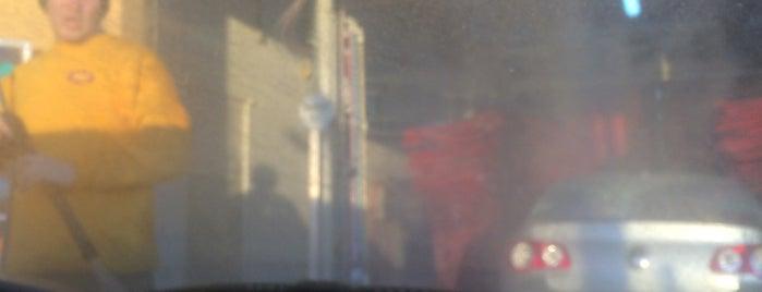 Mister Car Wash is one of Posti che sono piaciuti a Ainsley.