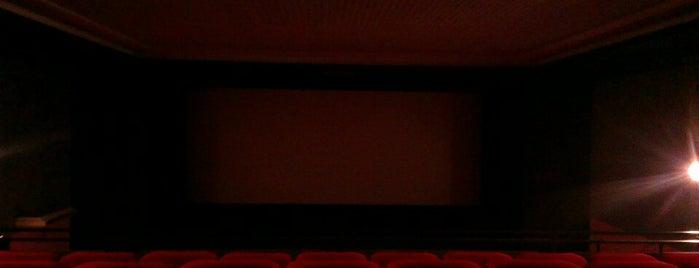 Cinema Vip is one of Tempat yang Disukai Matteo.