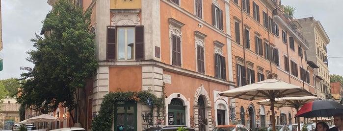 Trastevere is one of Locais curtidos por Aslı.
