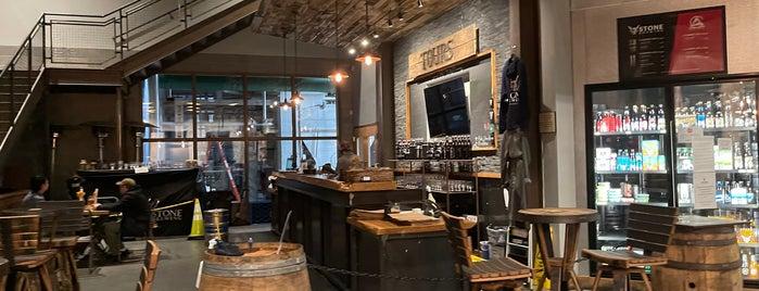 Stone Brewing Co. is one of Tempat yang Disukai Patrick.
