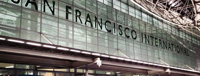 Flughafen San Francisco International (SFO) is one of Gespeicherte Orte von Topher.