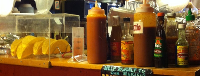 Taco Juan's is one of Lugares favoritos de Erik.