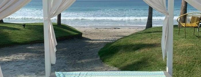 W Punta de Mita is one of Locais curtidos por Chris.