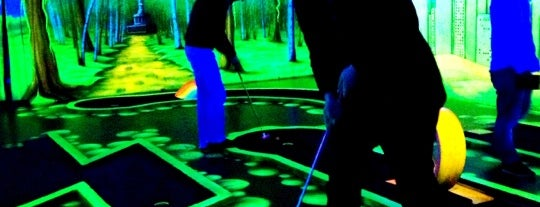 Schwarzlicht Minigolf Berlin is one of Berlin!.