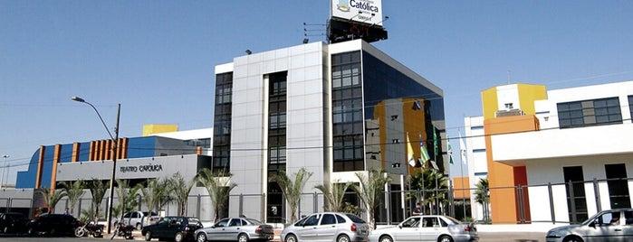 Pontifícia Universidade Católica de Goiás (PUC Goiás) is one of Tempat yang Disukai Donnato.