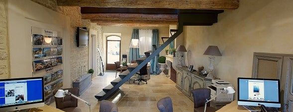 Provence Luberon Sotheby's International Realty is one of Luberon adresses.