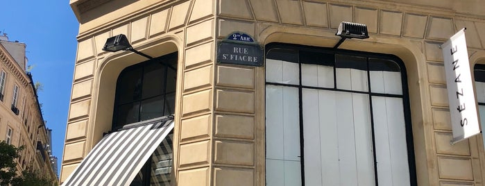 Le Saint-Fiacre is one of Paris.