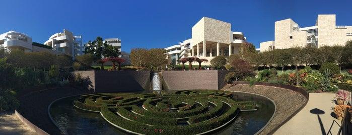 J. Paul Getty Museum is one of สถานที่ที่ Mario ถูกใจ.