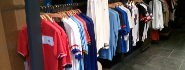 Fred Perry Authentic Shop is one of Orte, die Joao gefallen.