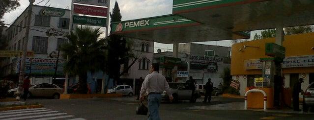 Gasolinería is one of Locais curtidos por Fernando.