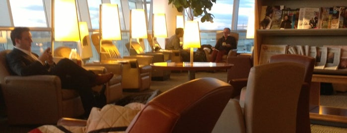 Air France Lounge is one of Posti che sono piaciuti a Alan.