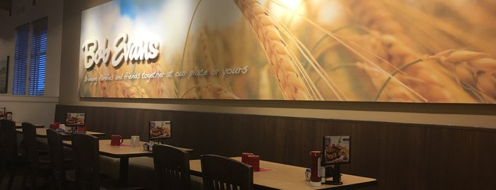 Bob Evans Restaurant is one of Tempat yang Disukai John.