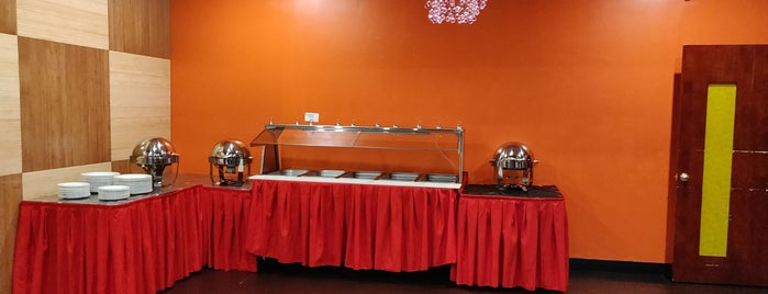 Utsav Indian Cuisine - Wethersfield is one of Lindsayeさんのお気に入りスポット.