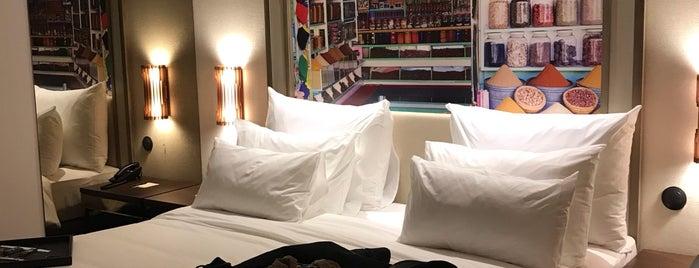 Hotel: Pestana Porto - A Brasileira is one of 🐝Nhag'ın Beğendiği Mekanlar.