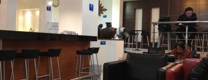 Aeromar Lounge is one of สถานที่ที่ Bob ถูกใจ.