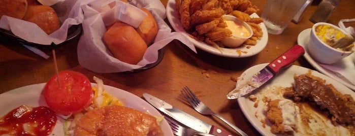 Texas Roadhouse is one of Lugares favoritos de Jimmy.