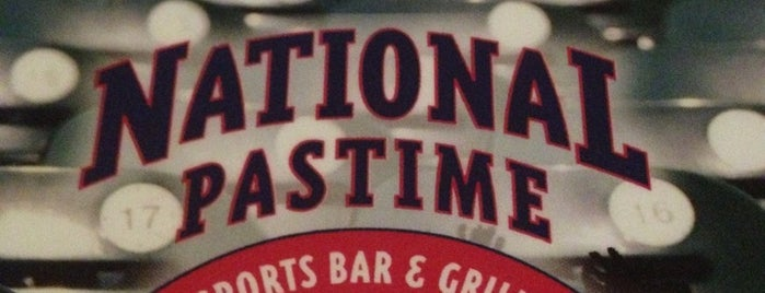 National Pastime Sports Bar & Grill is one of Locais curtidos por David.