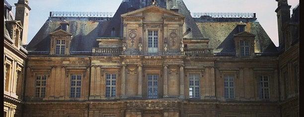 Château de Maisons-Laffitte is one of Châteaux de France.