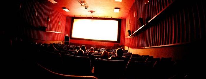 Yelmo Cines Icaria 3D is one of Куда отвести друзей в Барселоне.