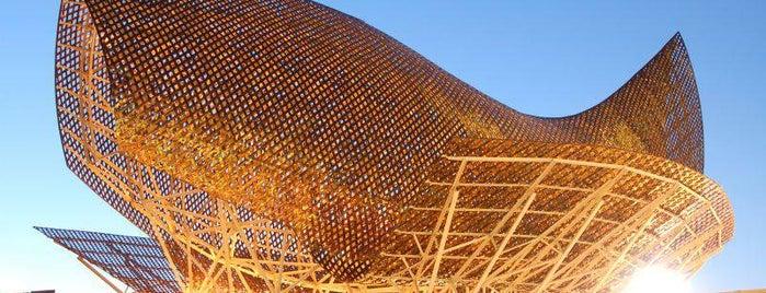 Port Olímpic is one of Куда отвести друзей в Барселоне.