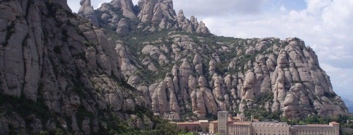 Monestir de Montserrat is one of Lugares que visitar.