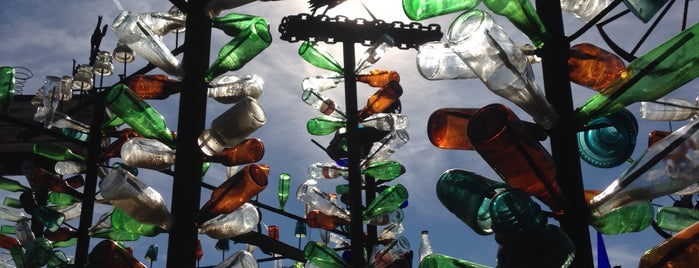 Bottle Tree Ranch is one of Route 66.
