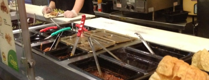 Moe's Southwest Grill is one of Gespeicherte Orte von Jeanne.