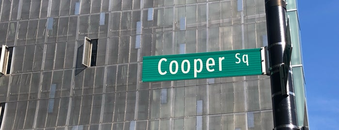 Cooper Square is one of Lugares favoritos de David.